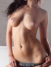 Penelope,University Girl,University student Penelope tries nude modeling for the very first time!